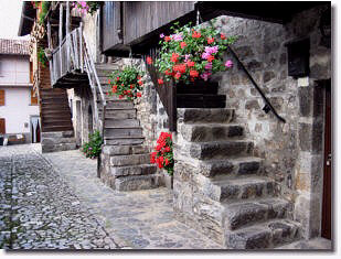 Borghi antichi di cavaglia e gaiazzo di brembilla - Foto scale esterne ...