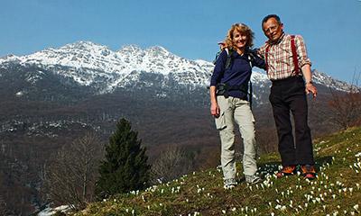 In resegone su neve primaverile da fuipiano imagna il 17 for Rifugio resegone valle imagna
