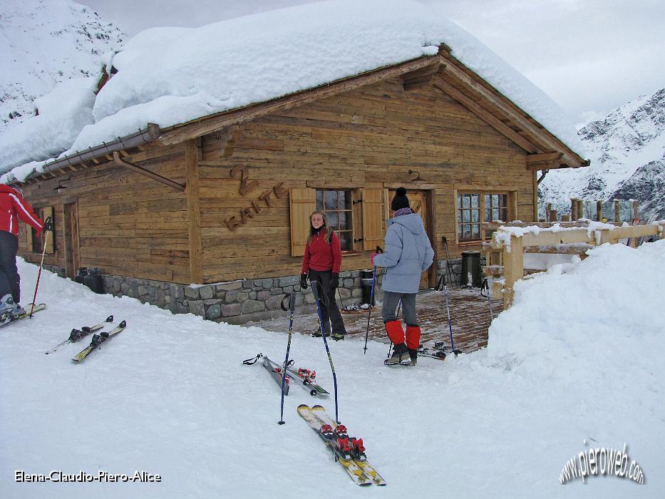 Salita da lizzola al rifugio due baite sabato 20 febbraio for Baite in legno da 2 letti in vendita