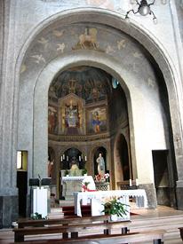 Il presbiterio - foto Piero Gritti